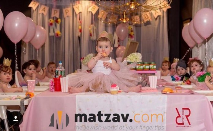 1 year old birthday activities ; 2016-12-06-PHOTO-00006121-696x428