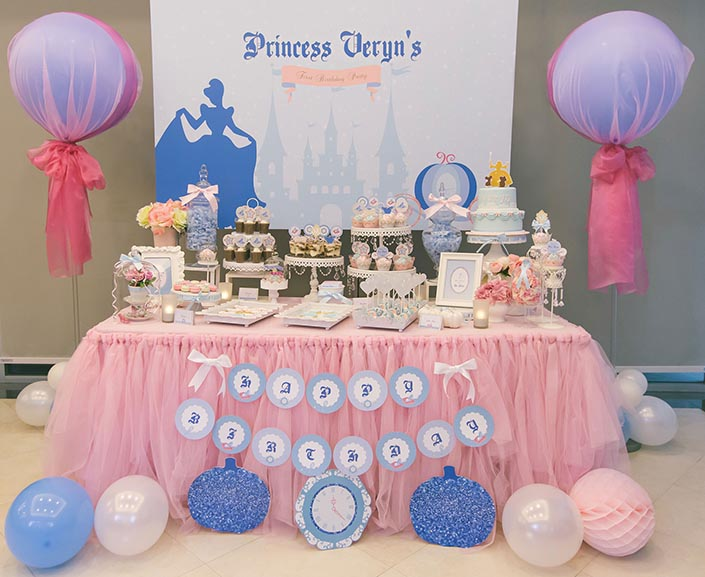 1 year old birthday activities ; Fairytale-Princess-themed-1-year-old-Birthday-Party-Photography-02