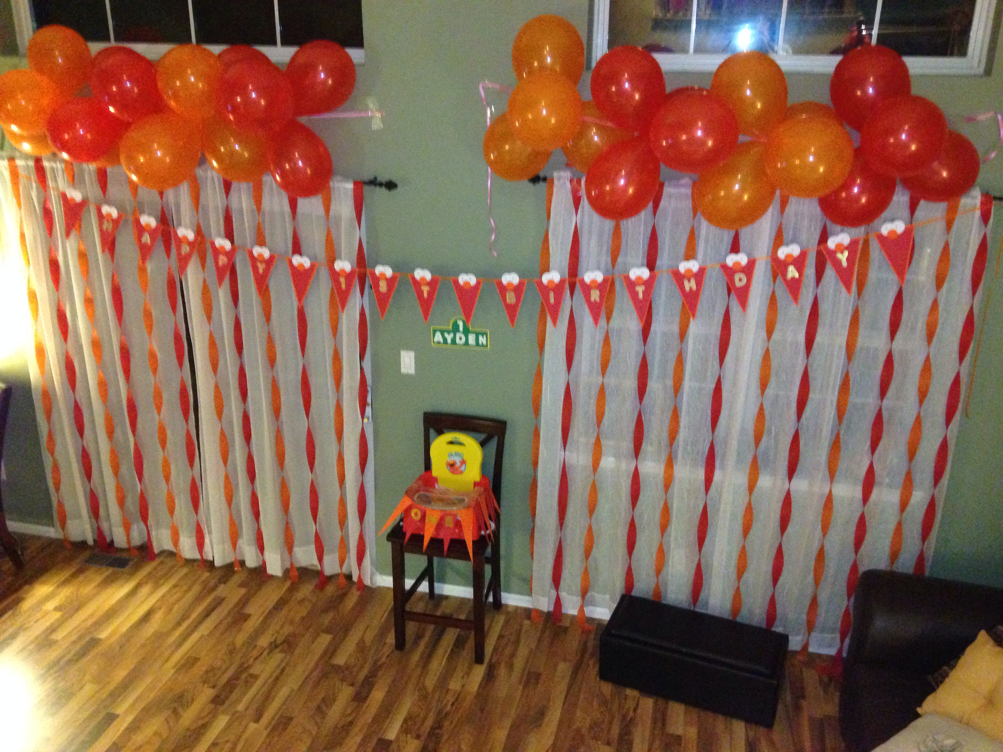 2nd birthday banners and balloons ; 23238e28f74ae03c841f1310c050fae3