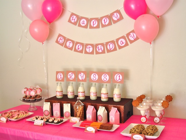 2nd birthday banners and balloons ; 9dcd85a5281714c8b76d065d246ed35e