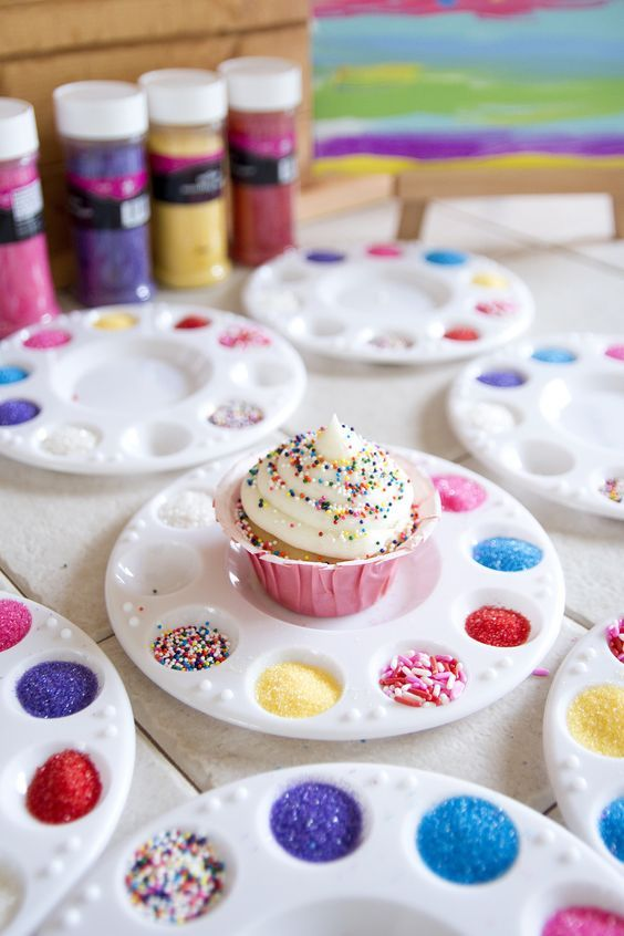 activities for child's birthday party ; 20d1e5b25b7d4815b57b0bb0c44bc576--wedding-assistant-cupcakes-decorating