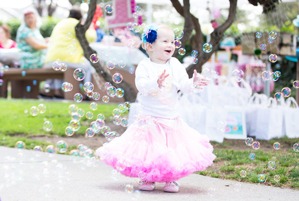 bday party activities ; Activities-First-Birthday-Party-Estelle-Bubbles-595