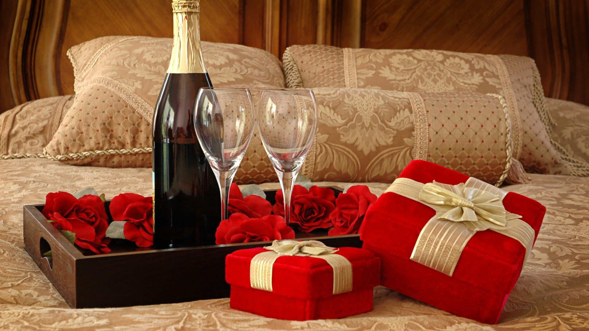 birthday activities for her ; romantic-gift-for-her-birthday