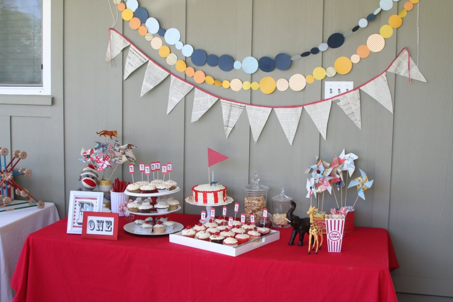 birthday activities for kids at home ; candy-buffet-ideas-at-house-kids-birthday-party-cheap-house-decoration-for-the-kid-birthday-party-920x614