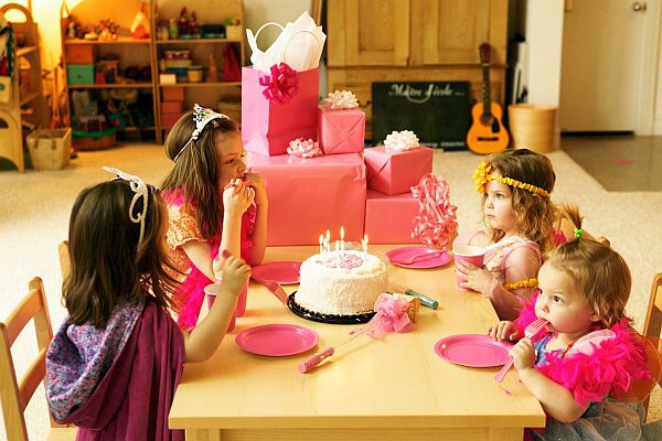 birthday activities for kids at home ; child-birthday-party-ideas