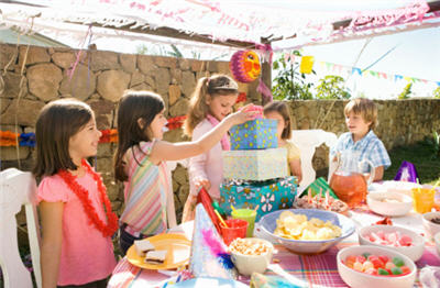birthday activities for kids at home ; kids-birthday-party