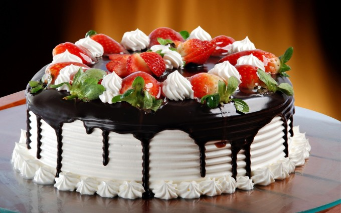 birthday cake wallpaper hd ; Chocolate-Birthday-Cake-Wallpaper-680x425