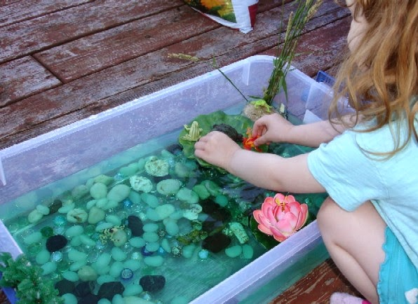 birthday party activities for toddlers ; frog%252Bpond%252Bsensory%252Bplay%252Bbin