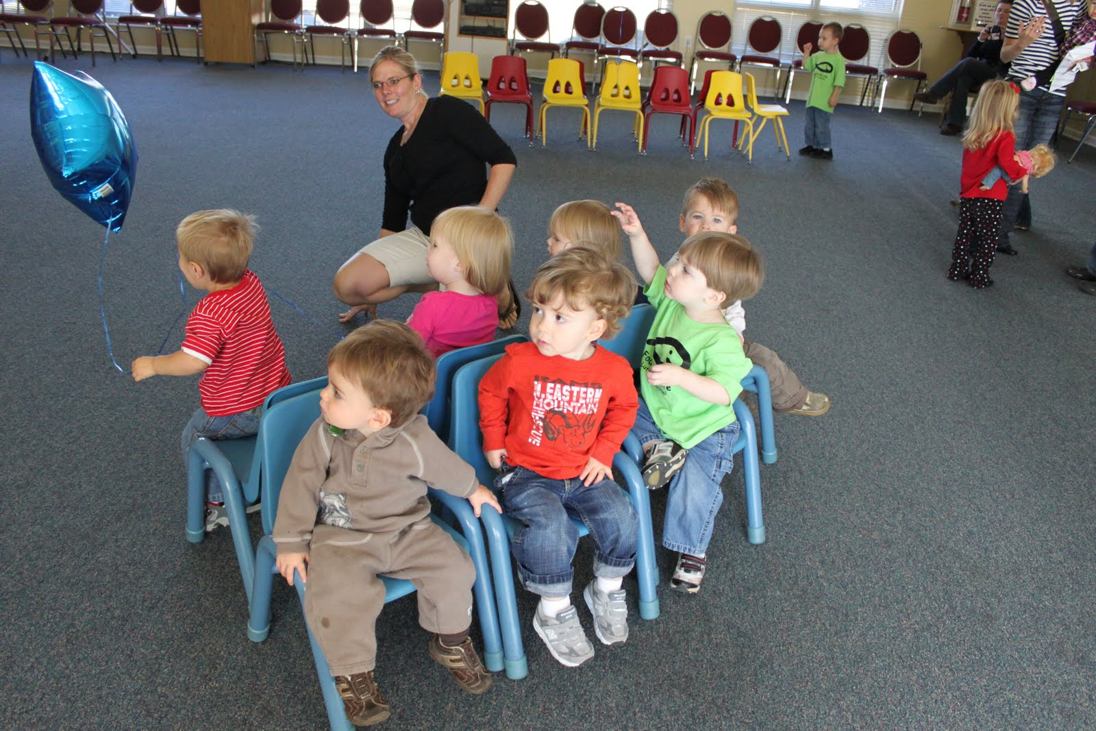 birthday party activities for toddlers ; music%2520chair%2520