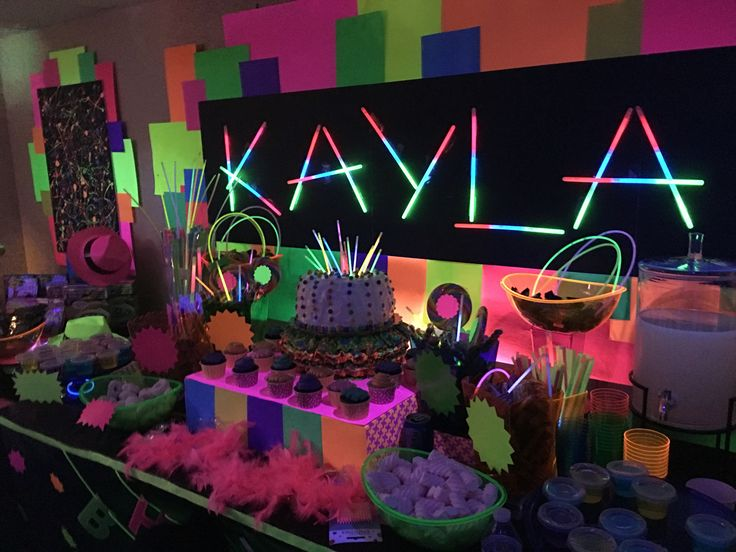 cool birthday activities ; 90853033e29d74a122731d9649cf5a4f--glow-party-ideas-glow-in-the-dark-party-decorations-birthdays