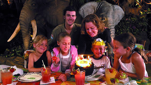 fun activities for kids birthday party ; 59188-640x360-rainforest_cafe_family_birthday_ns