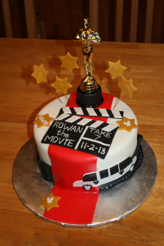 hollywood themed birthday cake design ; 10657797484_efeacf9bcf_b