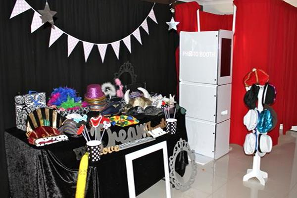 kids birthday party photo booth ; 1-Childrens-party-with-Photo-Booth