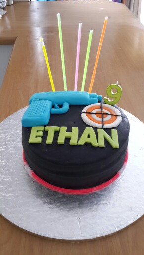 laser tag themed birthday cake ; 99946e386d79784c9a81a7e8cdad0736