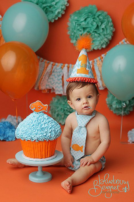 one year old birthday photo props ; first-baby-birthday-props-ideas-13