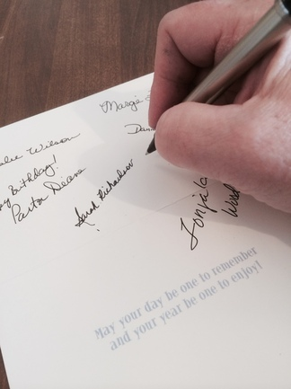 best way to sign a birthday card ; 4645e24629808a99dcbeb10894ec6160_f108