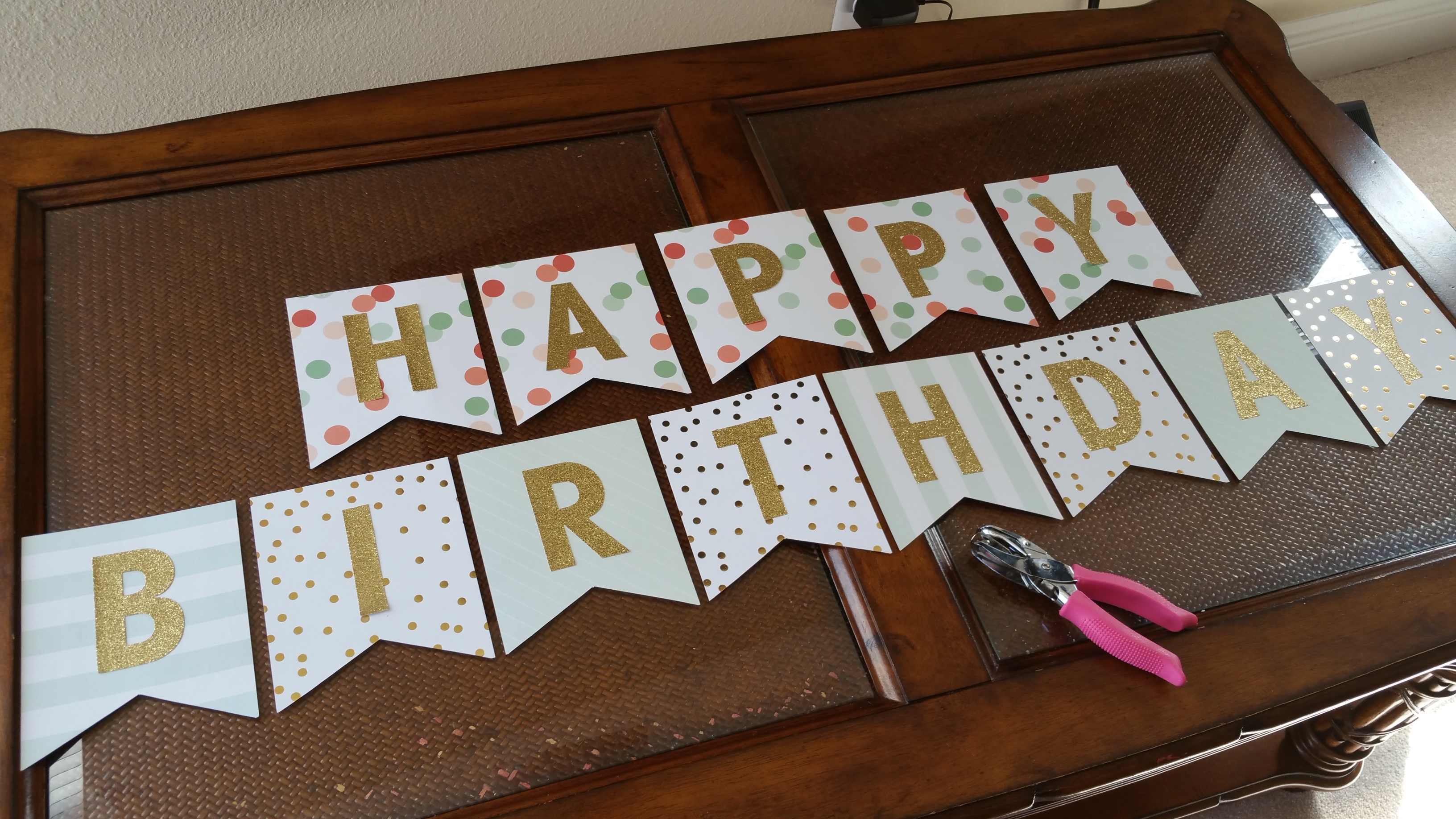 birthday photo banner diy ; say-it-out-loud-adorable-homemade-birthday-banners-18
