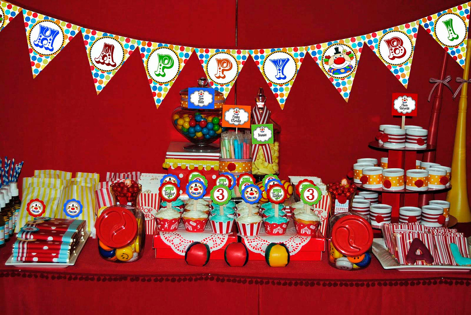 carnival themed birthday banner ; carnival-theme-birthday-party-ideas