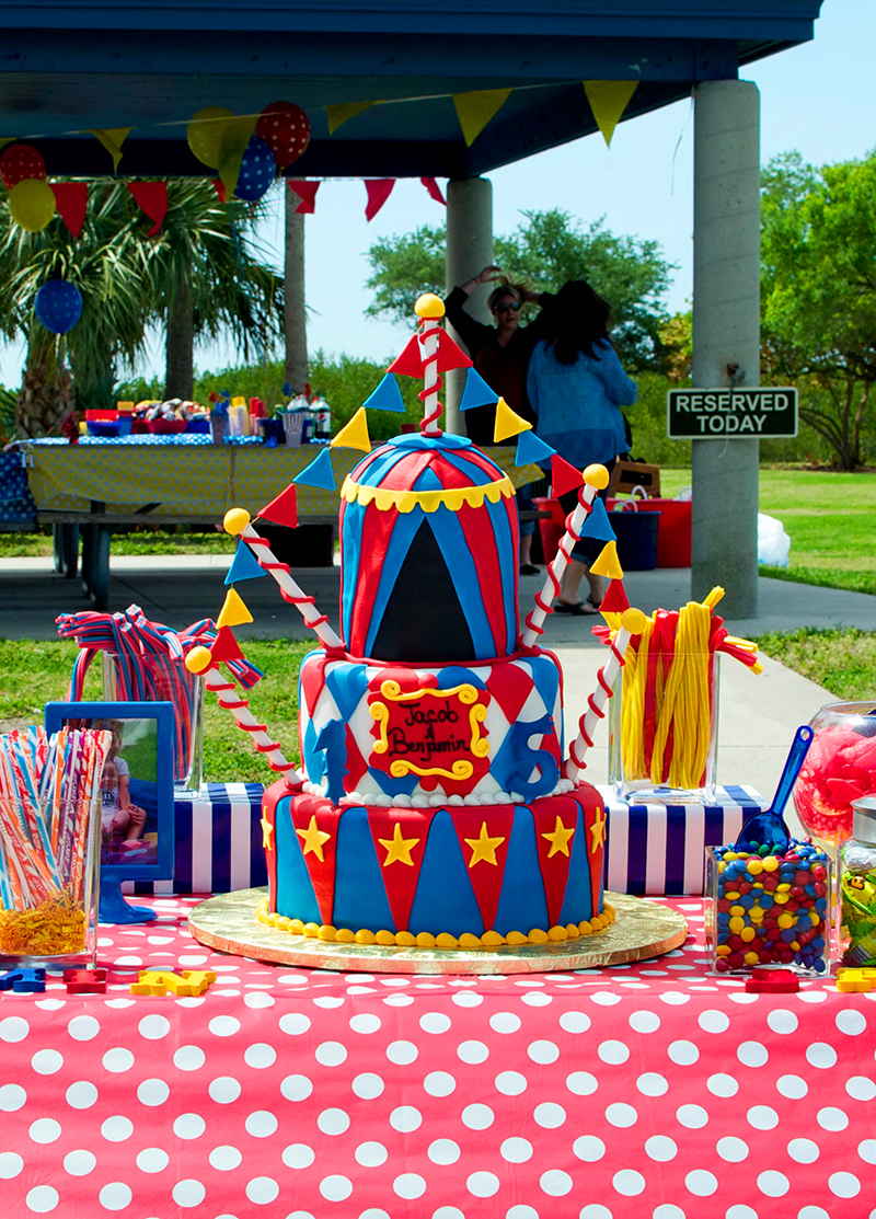 carnival themed birthday banner ; carnival_party_41