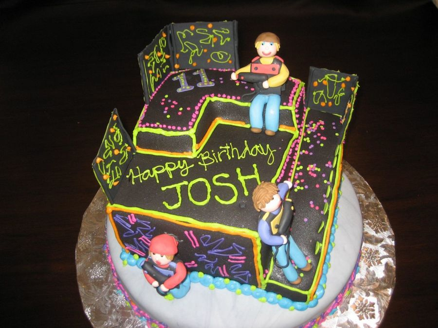 laser tag birthday cake images ; 900_657386Nc0T_laser-tag