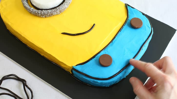 minion birthday sheet cake ; Despicable-Me-Minion-Sheet-Cake_23
