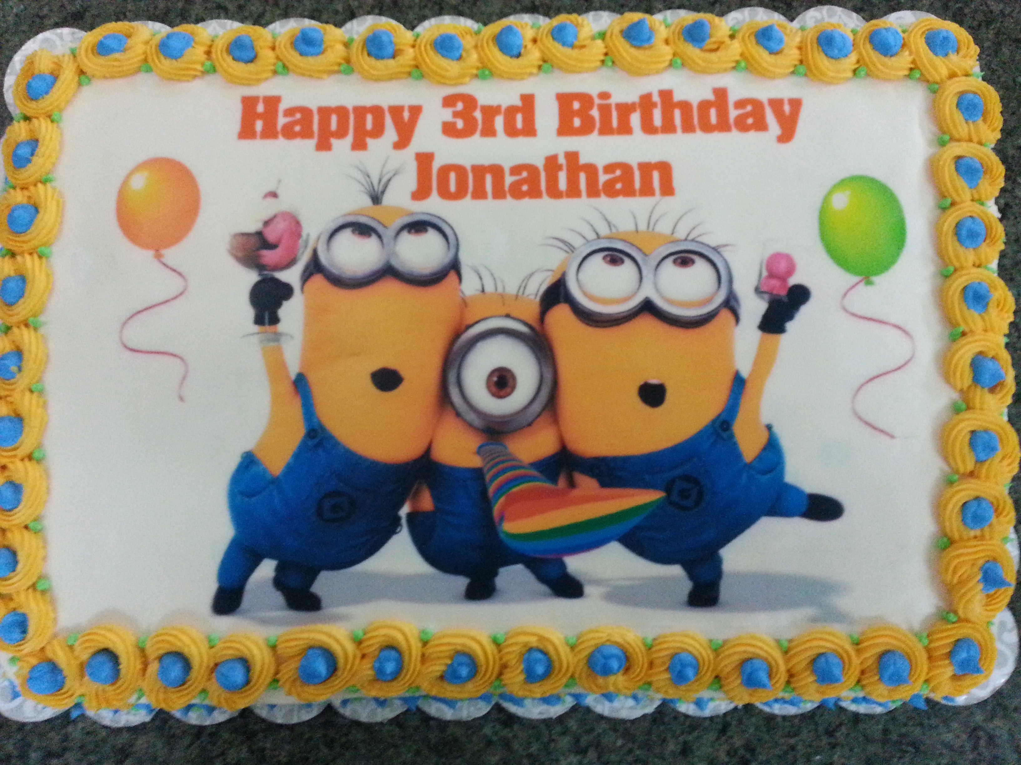 minion birthday sheet cake ; ba4b8423434201f59d8b38c9f8d801d2