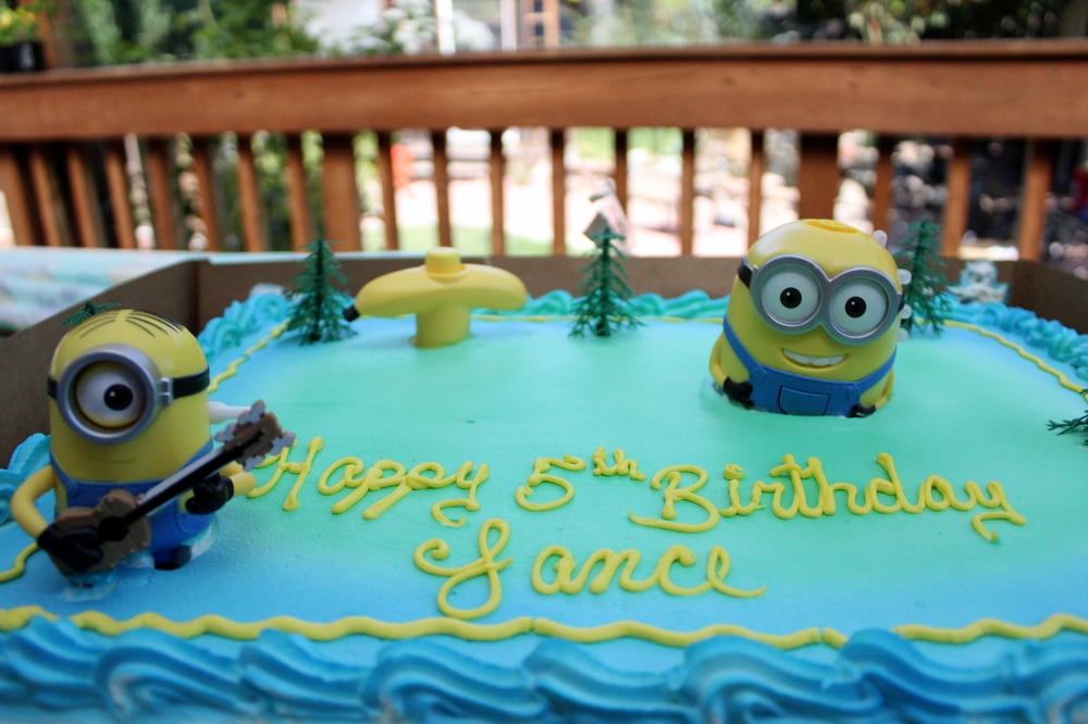 minion birthday sheet cake ; o
