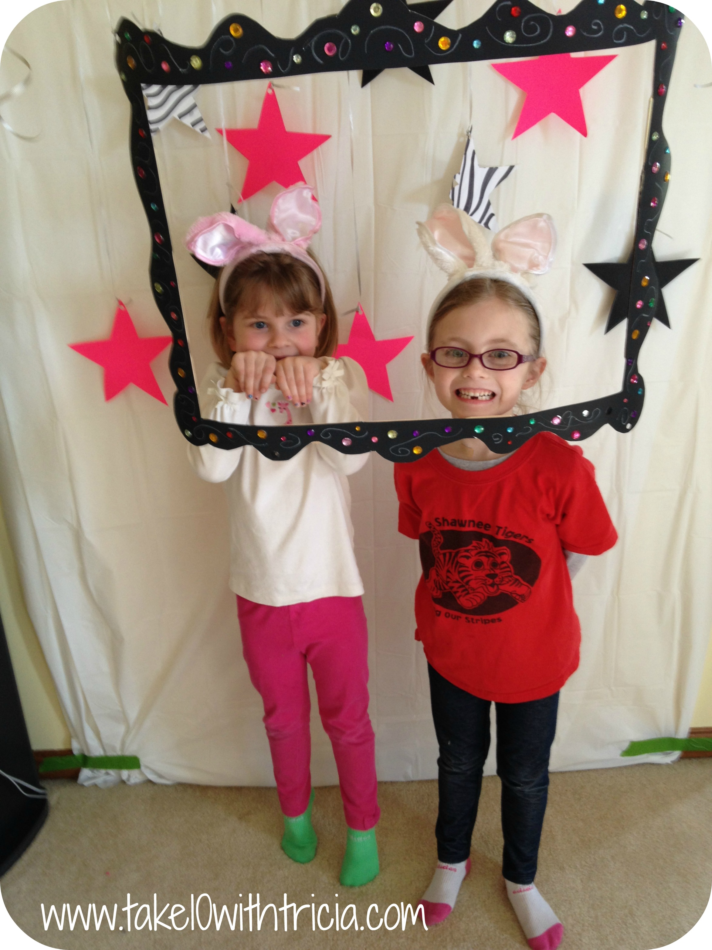 photo booth themed birthday party ; Baby-doll-theme-birthday-party-photo-booth-girls