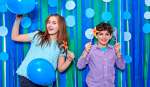 photo booth themed birthday party ; k2-_6c200816-a7d6-4553-a60d-325be31c6107