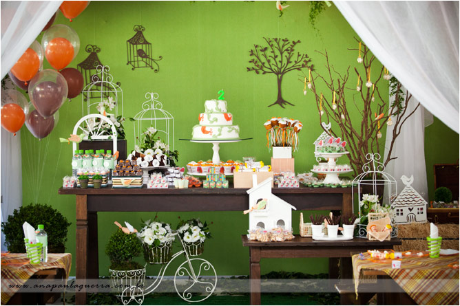 picture themed birthday party ; Boys-Party-Ideas-16