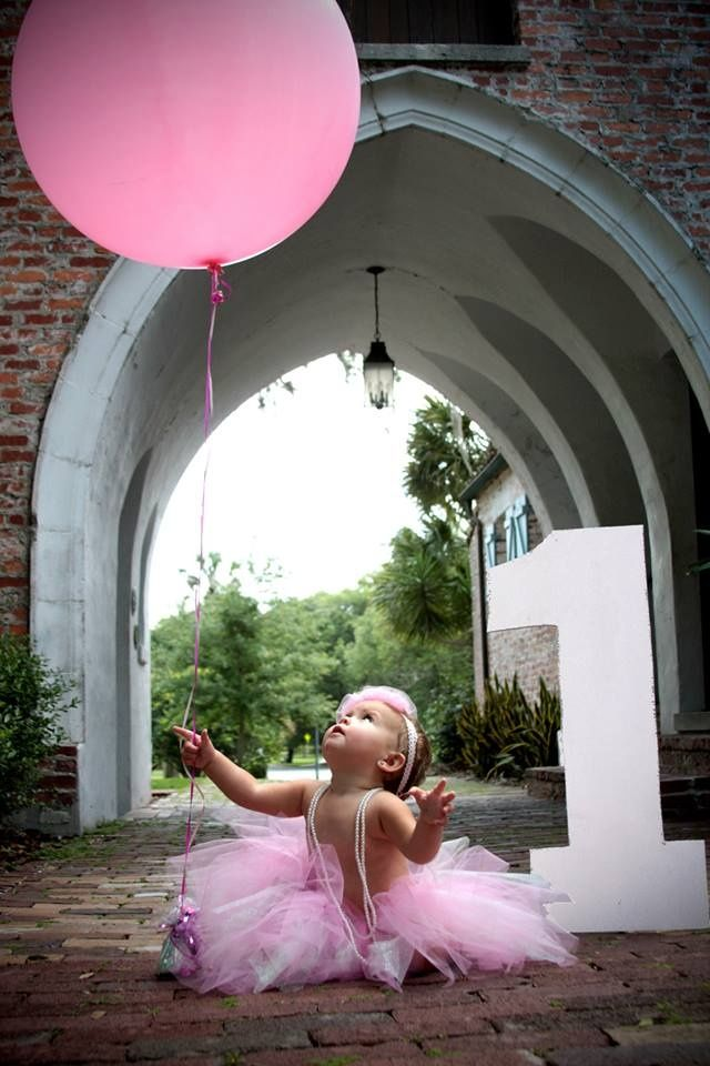 1st birthday picture ideas girl ; big-number-for-a-big-girl