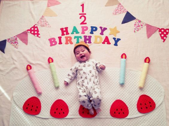 6 month birthday picture ideas ; 6-Month-Old-Baby-Photo-Shoot-Ideas-at-Home-10