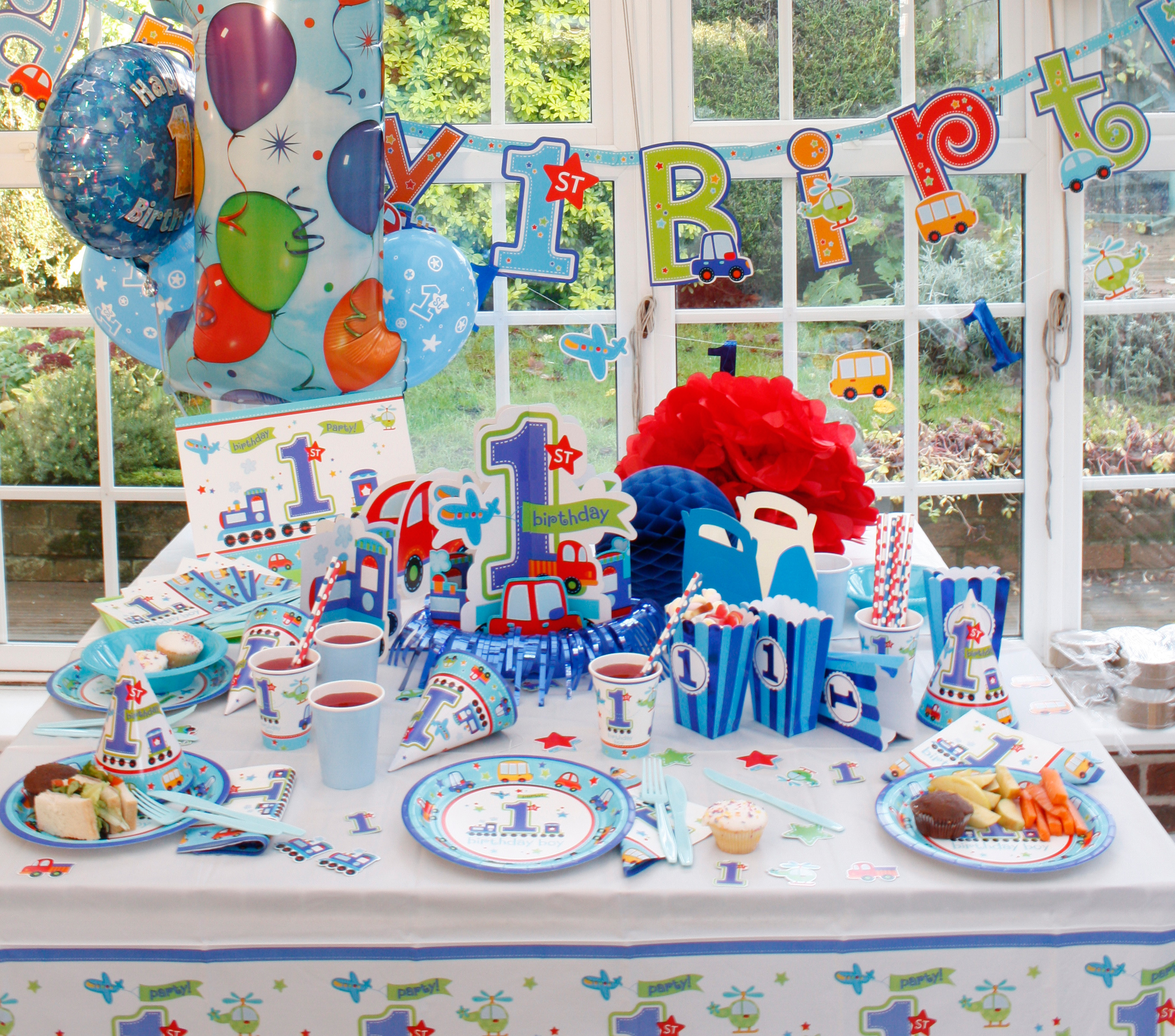 bday decoration theme ; all-aboard