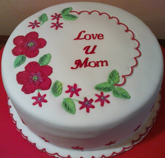 birthday cake design download ; birthday-cake-for-mom-happy-birthday-cake-images-for-mom-free-download-with-white-cream-adn-red-flower-design-ideas-2016