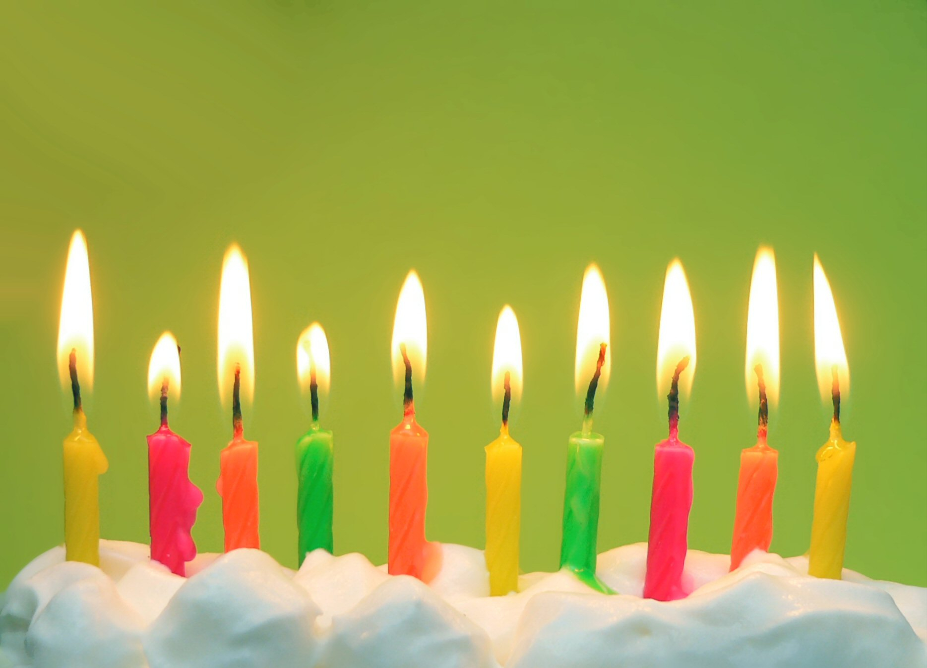 birthday candles wallpaper ; Birthday-Candles-Green-Background-Wallpaper