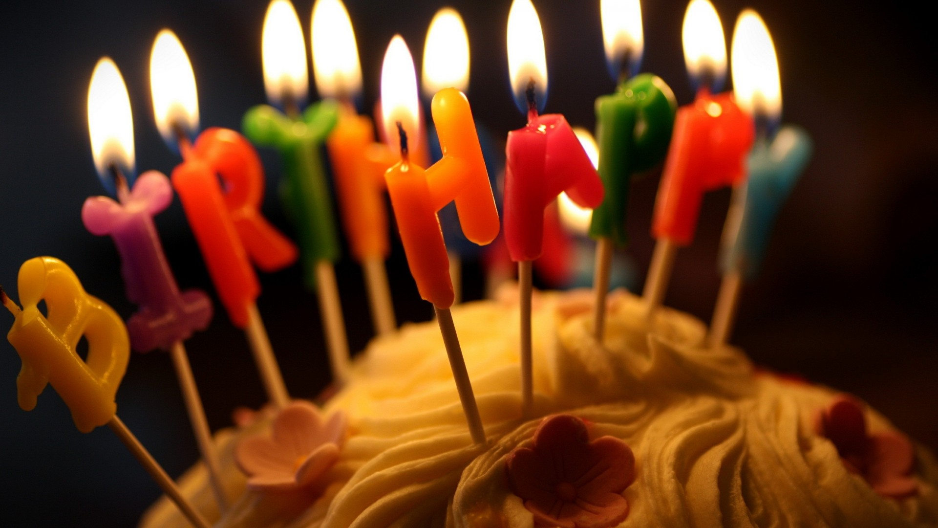 birthday candles wallpaper ; Free-Birthday-Cake-Candles-Wallpaper