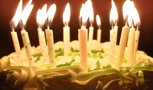 birthday candles wallpaper ; animated-birthday-cake-with-candles-wallpaper-4