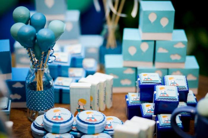 blue color themed birthday party ; Green-and-Blue-Balloon-Themed-Birthday-Party-via-Karas-Party-Ideas-KarasPartyIdeas