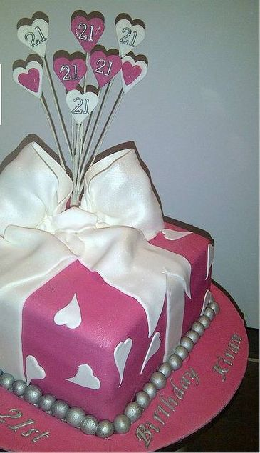 cake design ideas for 21st birthday ; 21st-square-with-hearts