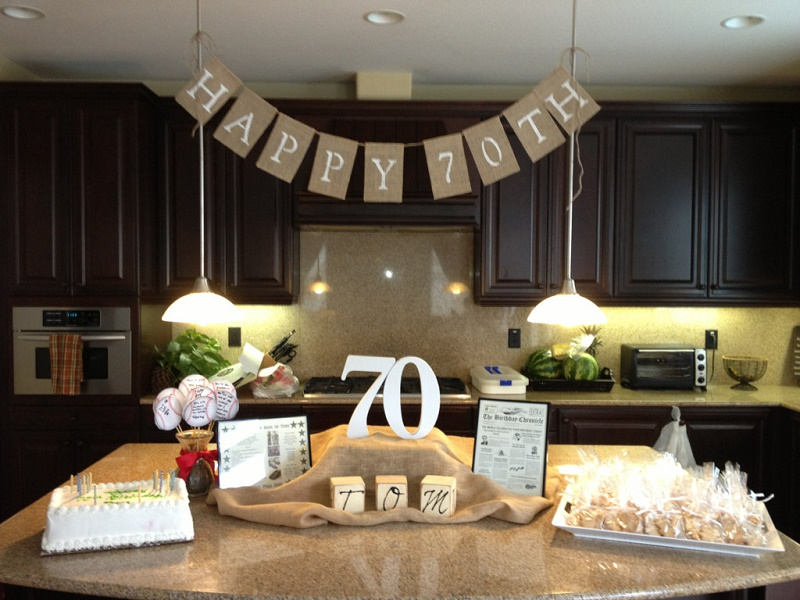 color theme for 70th birthday party ; 70th-birthday-party-ideas