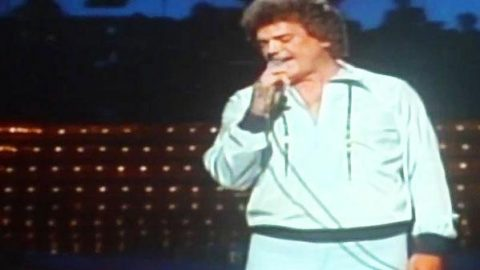 conway twitty happy birthday darlin ; conwaytwitty-happybirthdaydarlin-480x270