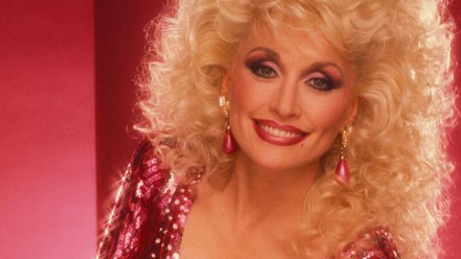 dolly parton happy birthday ; dolly_parton_best_looks_galore_mag_feature