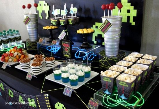 game themed birthday party ; bc8e226a3c6a3f4e79b470491124399d