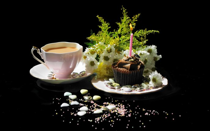 happy birthday coffee images ; 7164_Happy-birthday-coffee-and-delicious-muffin