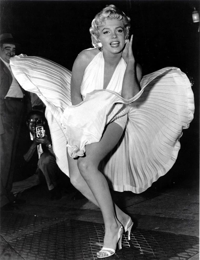 happy birthday mr president ; monroe-the-seven-years-itch-dress