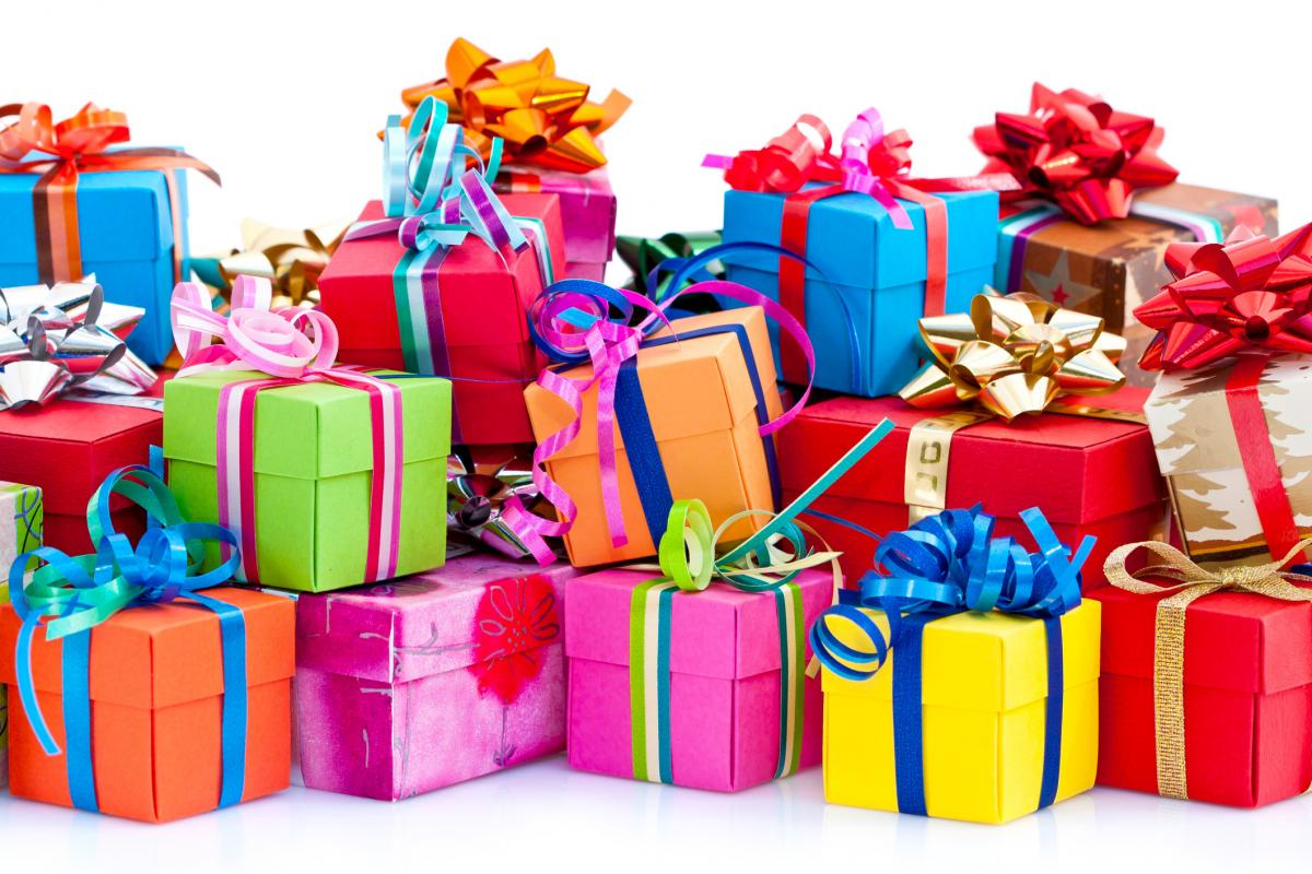 hd wallpaper happy birthday gifts ; happy-birthday-gift-images-10