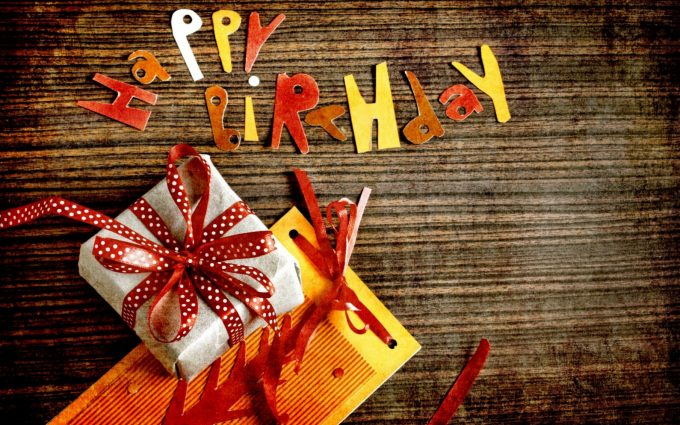 hd wallpaper happy birthday gifts ; happy-birthday-hd-images-wallpapers-gift-680x425