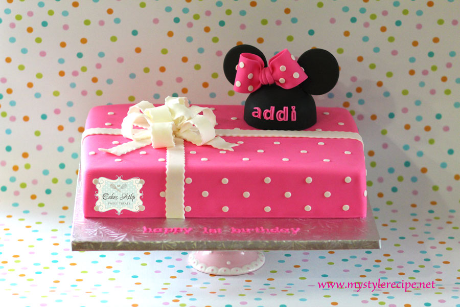minnie mouse birthday sheet cake ; Minnie-Mouse-Cake-Addi