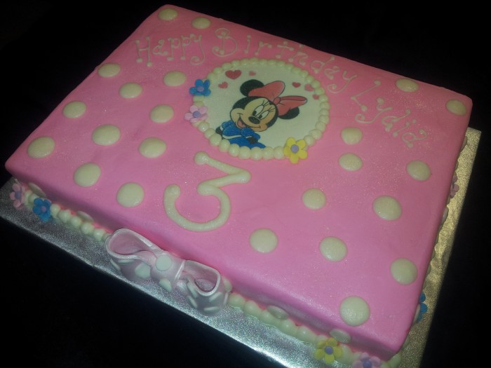 minnie mouse birthday sheet cake ; Minnie-mouse-e1441771409338