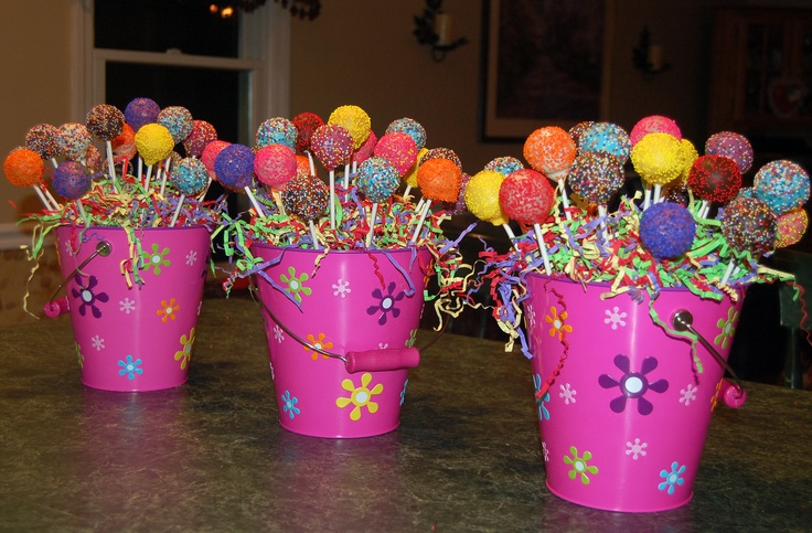 picture centerpieces for birthday party ; cake-pop-centerpiece-party-ideas-birthday_176600